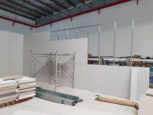 hình thi công vách ngăn thạch cao trần thạch caoở tại nhà xưởng số 16, kcn mapletree, Bình Dương
