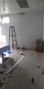 Tấm cũ thạch cao được tận dụng lại triệt để nhằm tiết kiệm chi phí cho khách hàng
