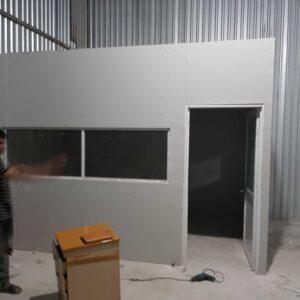 phòng máy lạnh bằng thạch cao thật sự là lựa chọn tuyệt vời vì giá thành rẻ thi công nhanh